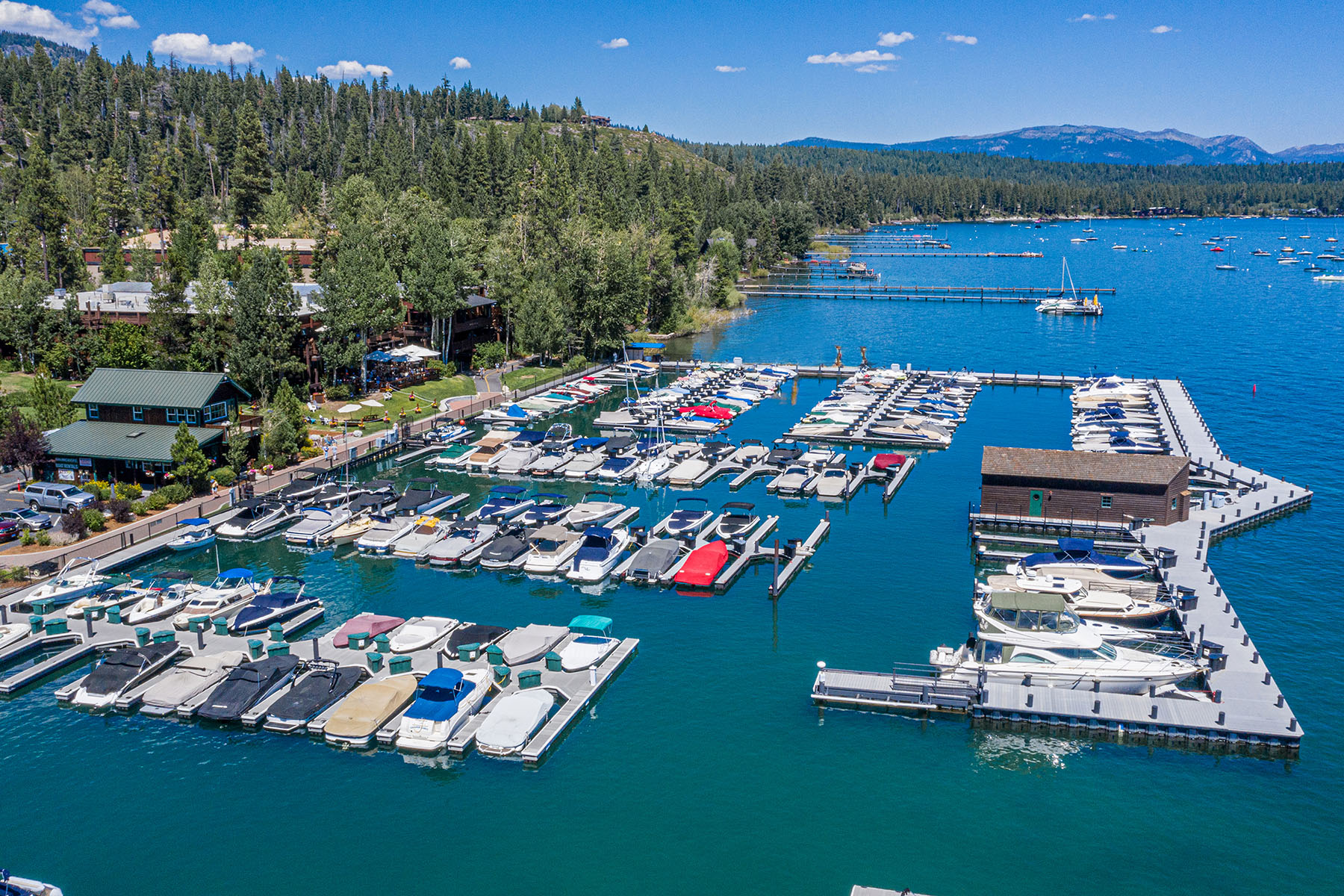 in 700 N. Lake Blvd. #F-25, Tahoe City, Kalifornien ,96145