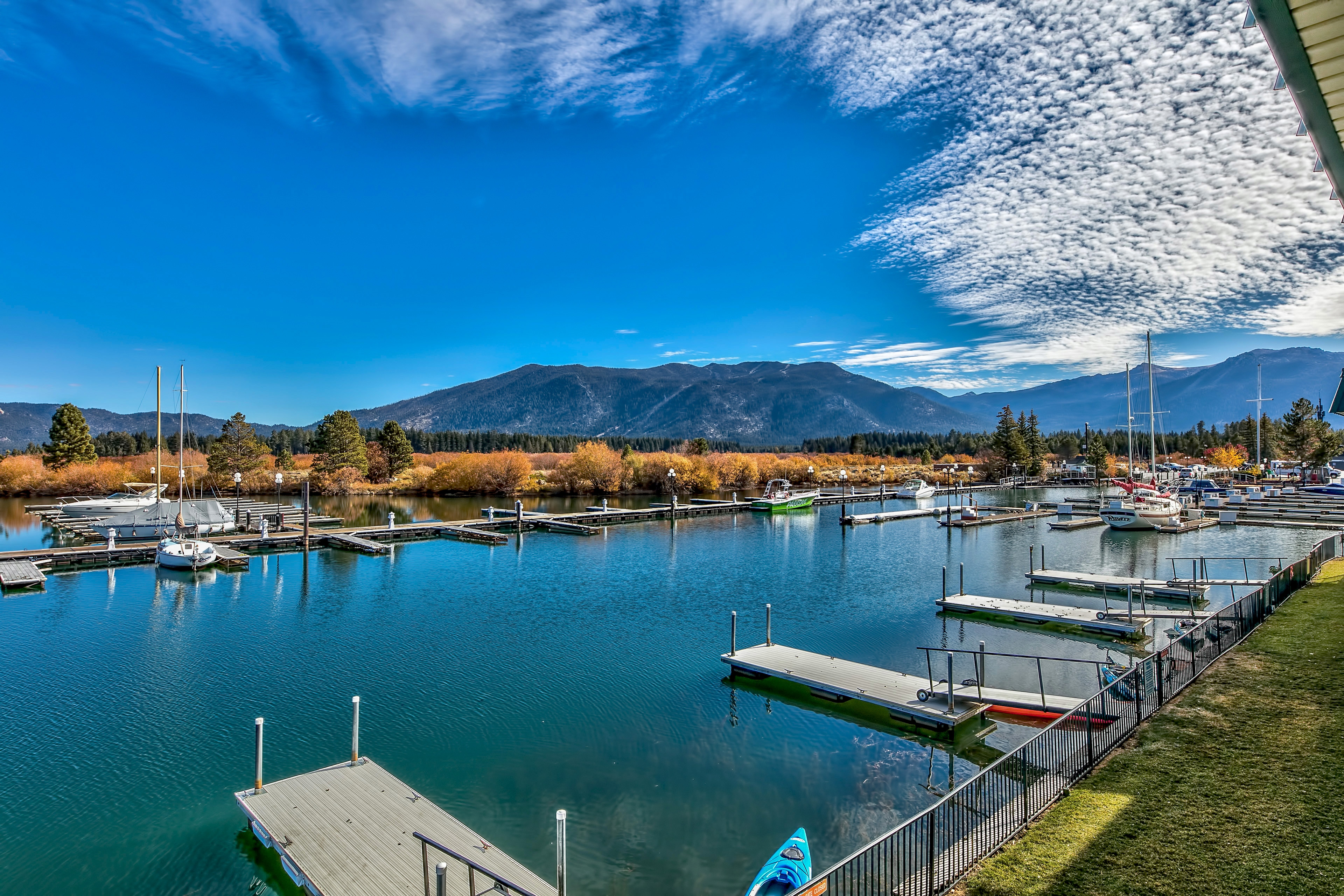 Apartment zum Verkauf in 439 Ala Wai Blvd. #129, South Lake Tahoe, Kalifornien ,96150