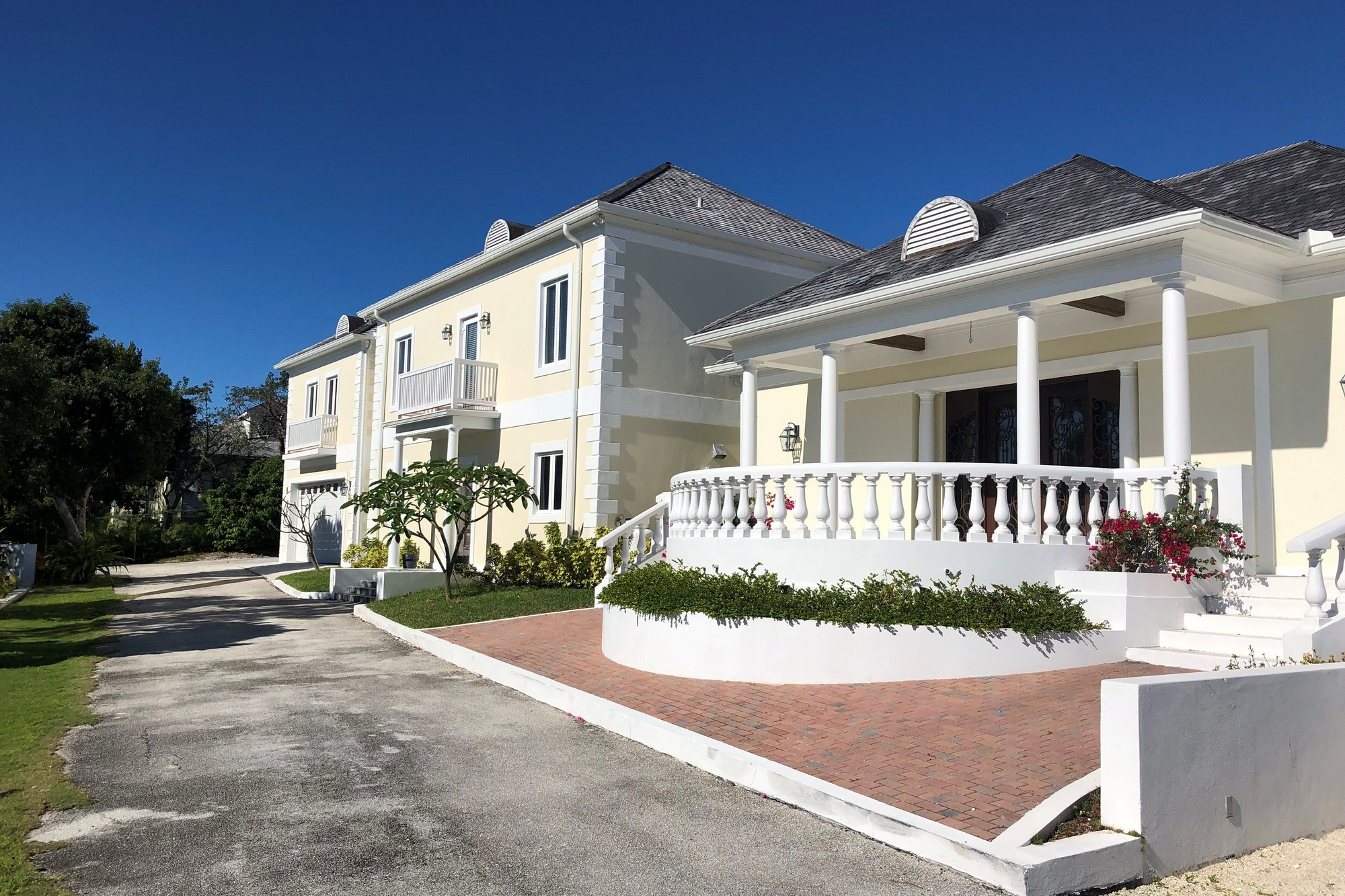 Einfamilienhaus Vermietung in Hibiscus Drive, Lyford Cay, Nassau and Paradise Island   , Bahamas